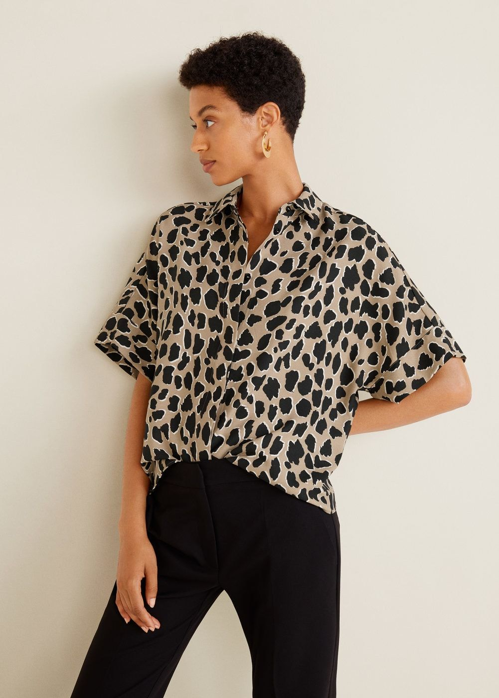 Flowy fabric Leopard print Classic collar Short sleeve Button front Leopard  Print Outfits, Animal Print b30ff6e48eb