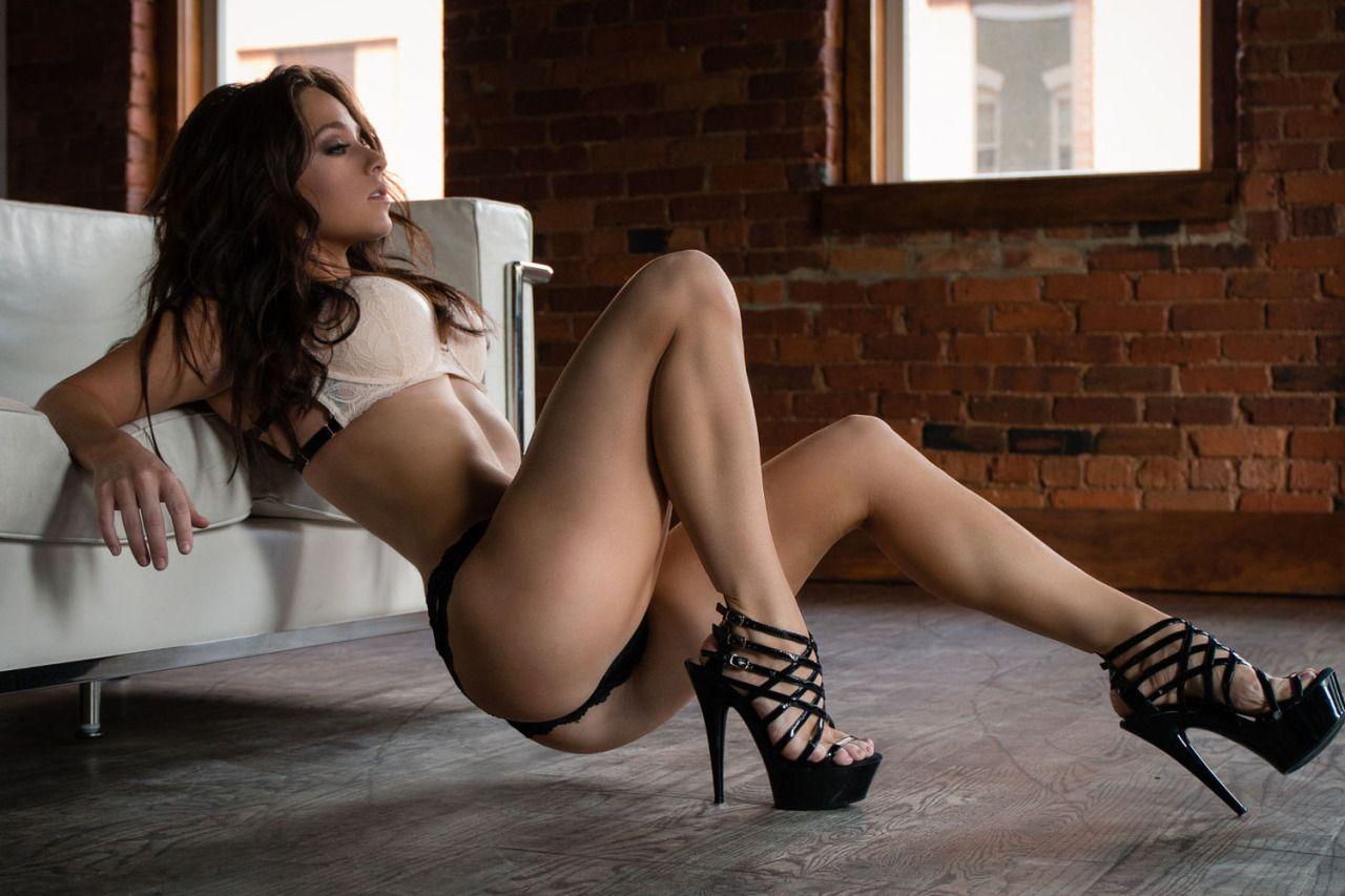 Amazingly sexy woman