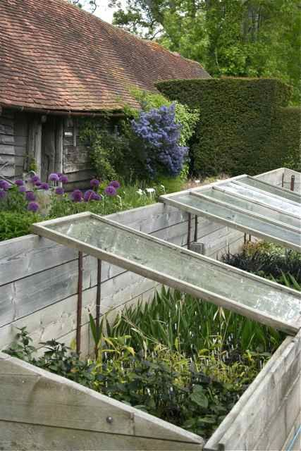 cold frame -- Ah-ha!  THIS would work perfectly in my long, narrow, bowling alley garden that lives up against a fence.