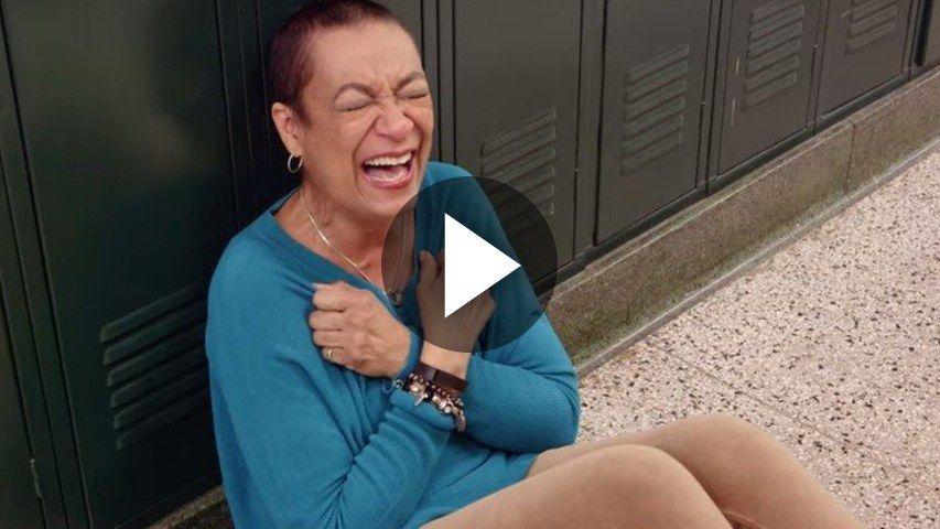 Vídeo de un emotivo reencuentro de una profesora con sus alumnos del instituto