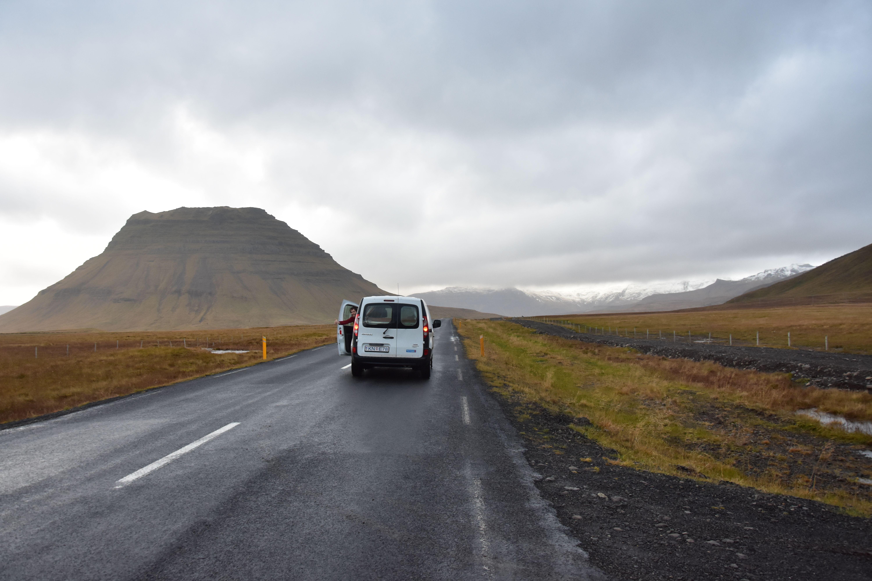 Disfrutando de las carreteras poco transitadas en Islandia