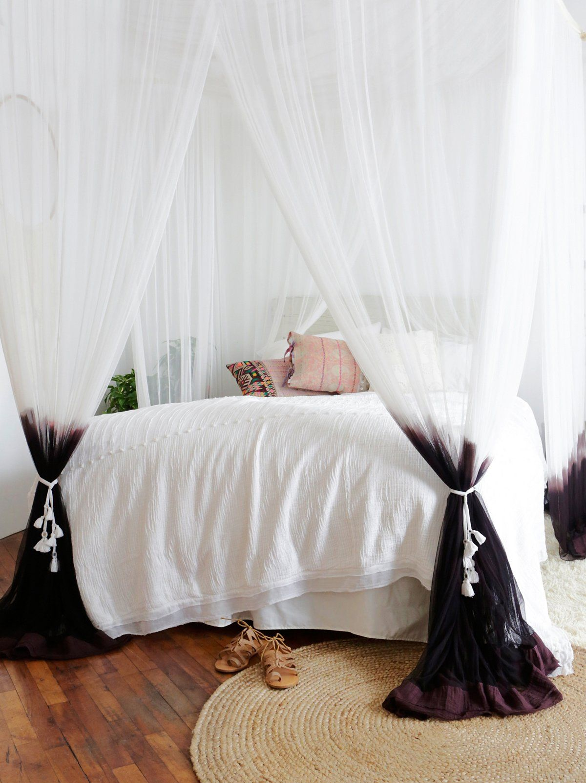 Dip Dye Four Point Queen Canopy | Up your beauty-sleep ante with this vintage & Dip Dye Four Point Queen Canopy | Up your beauty-sleep ante with ...