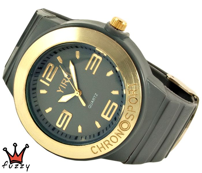 Γυναικείο νεανικό σπορ ρολόι, με κάσα σε γκρι και χρυσό χρώμα και μεγάλα νούμερα στο εσωτερικό του.  Πλαστικό λουράκι σε γκρι χρώμα. Διάμετρος καντράν 40 mm