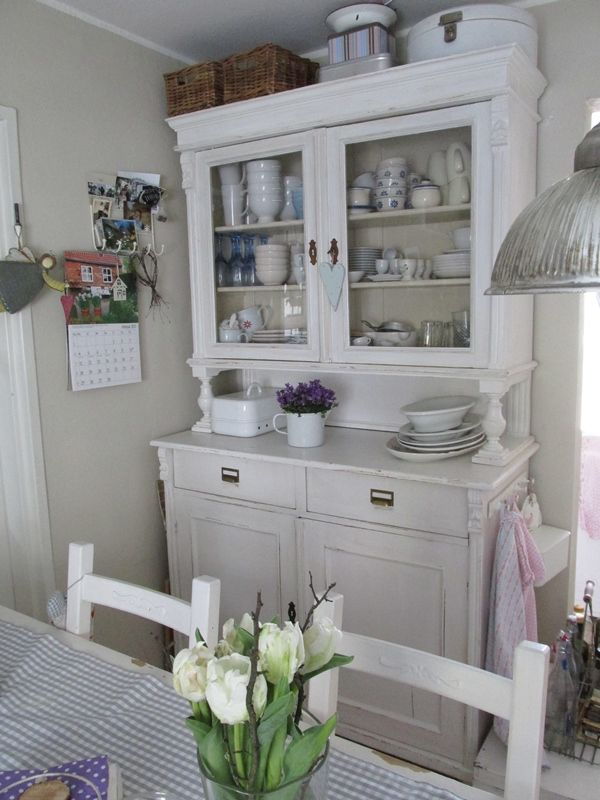 Credenza shabby there 39 s no place like home pinterest for Casa in stile fattoria
