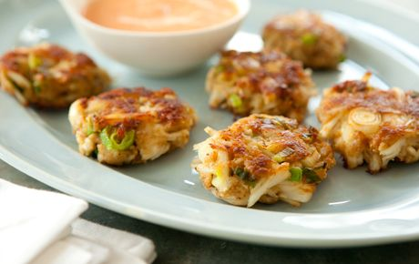 Fresh crab, green onions and a spicy mayo… these are divine!