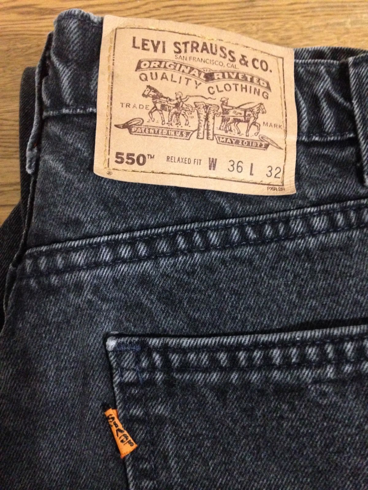 4dd1f21031d Men's vintage Levis 550 orange tab black jeans. Relaxed fit, straight leg,  made in USA. Tag size is 36 x 32, actual measurements are closer to 34 x 32.