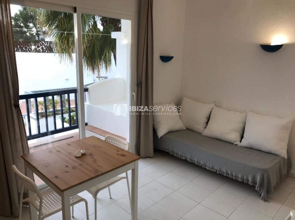 Comprar Cala Tarida Apartamento De Un Dormitorio Cerca De La Playa En 2020 Dormitorio De Apartamento Dormitorios Apartamentos