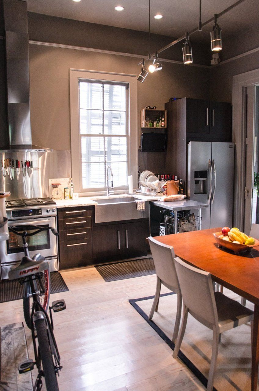An Eclectic Victorian In New Orleans Small Apartment Kitchen Simple Kitchen Design Kitchen Design Small