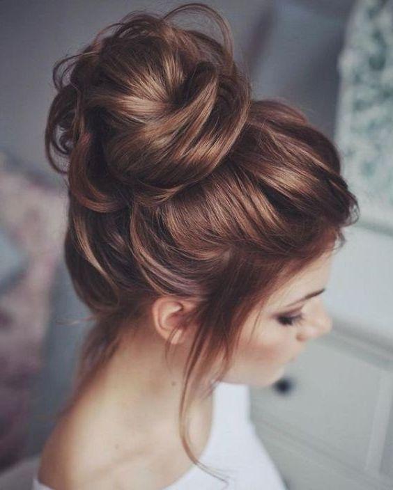 High Bun Messy Updo For Long Hair Updo Longhair Messy Wedding Hair Messy Hairstyles Hair