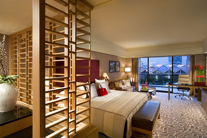 Acclaimed Restaurants Stunning Spa And Exquisite Suites Mandarin Oriental Singapore Aims To Delight By Hotelied Luxury Rooms Luxurious Rooms Hotel