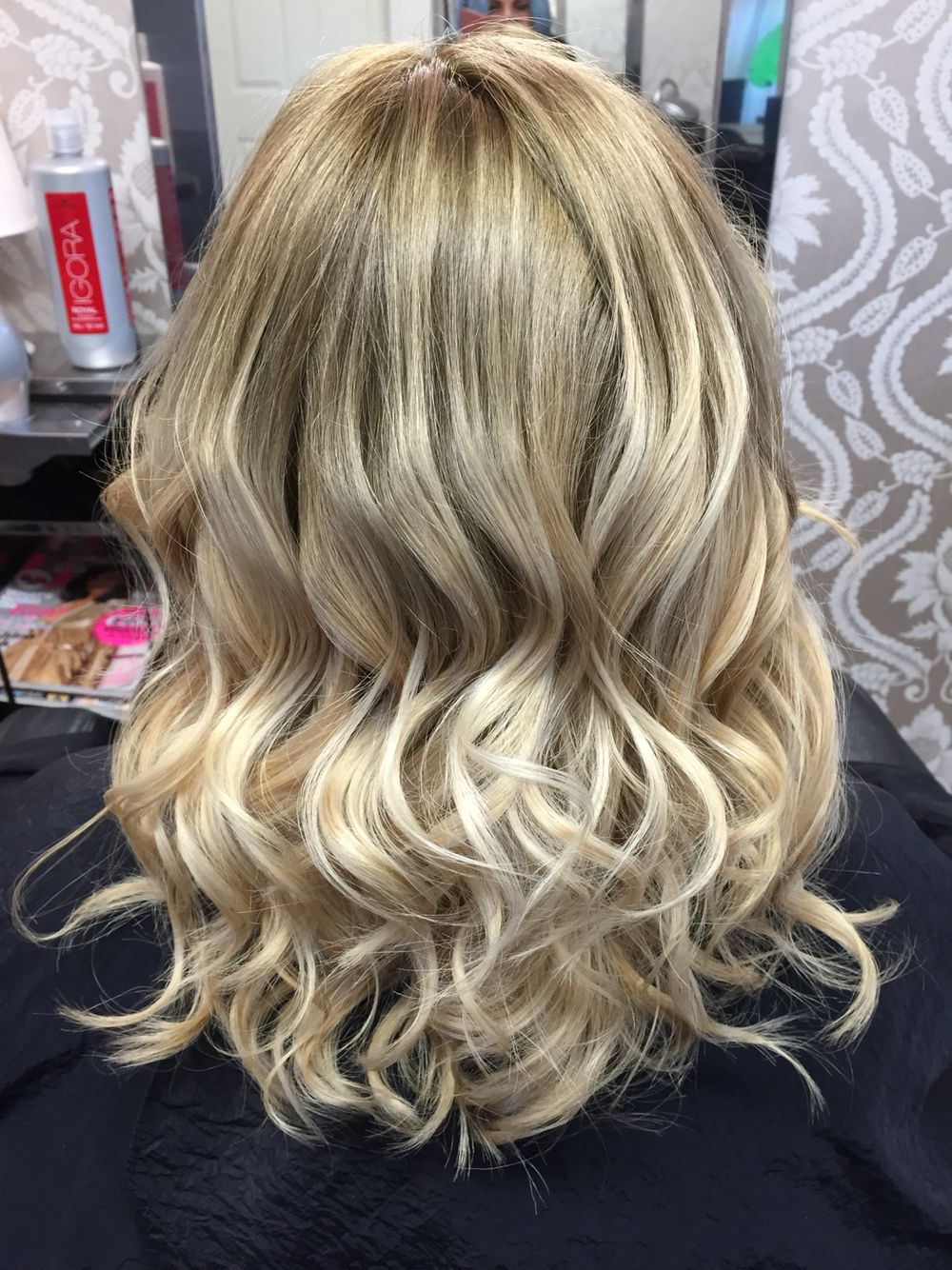 Ballayage Blond tout natural looking light brown and blonde ballayage ombre | blonde hair