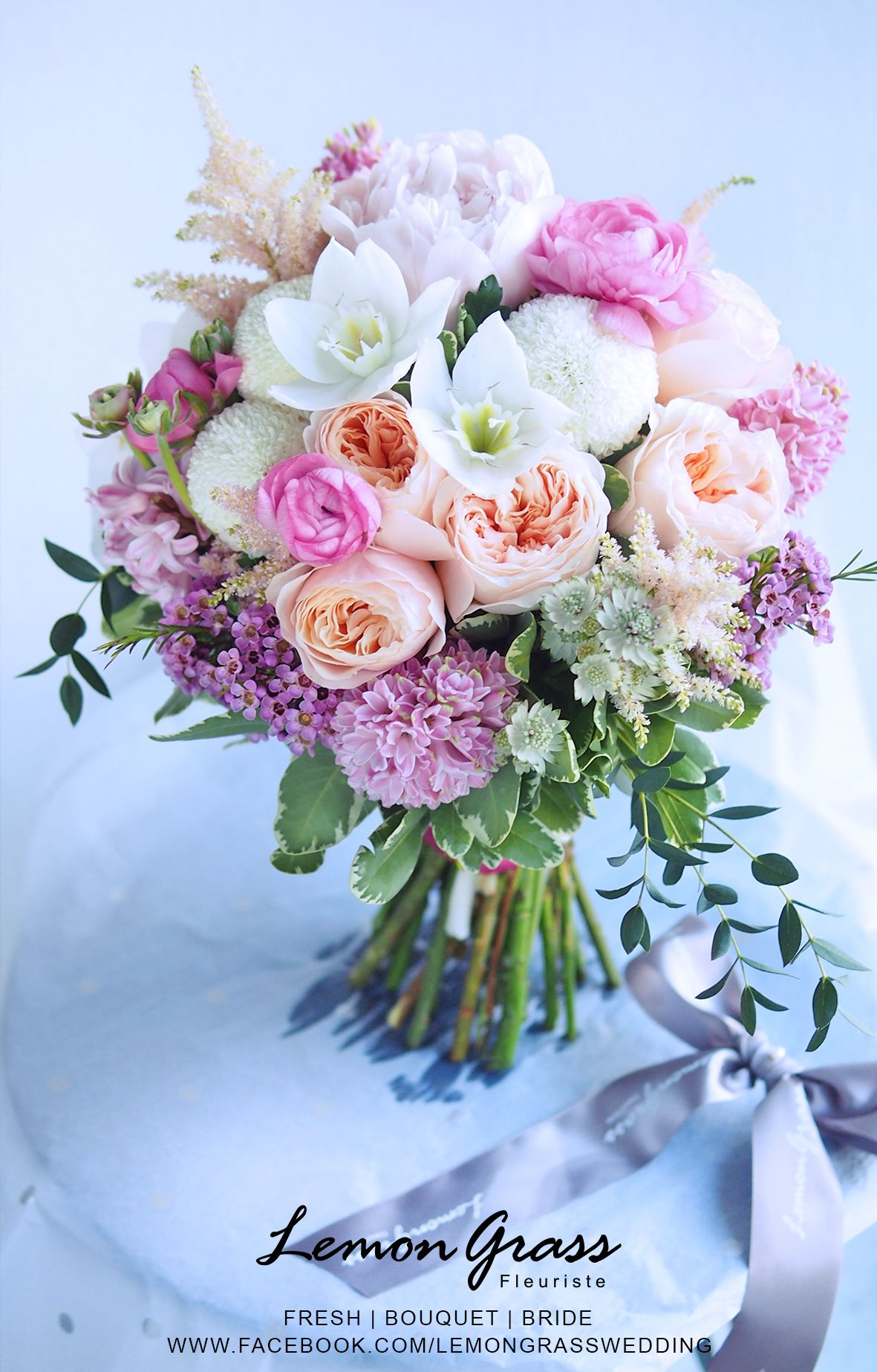 Follow Us Signaturebride On Twitter And On Facebook At Signature Bride Magazine Slub I Wesele Bukiet Slubny Kompozycje Kwiatowe