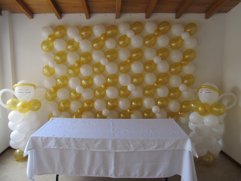 Decoracion primera comunion arco pared uvas lamparas con - Decoracion con lamparas ...