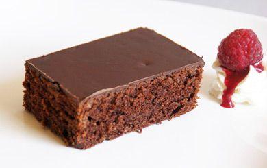 schokoladenkuchen mit glasur rezept chocolate moments pinterest kuchen. Black Bedroom Furniture Sets. Home Design Ideas