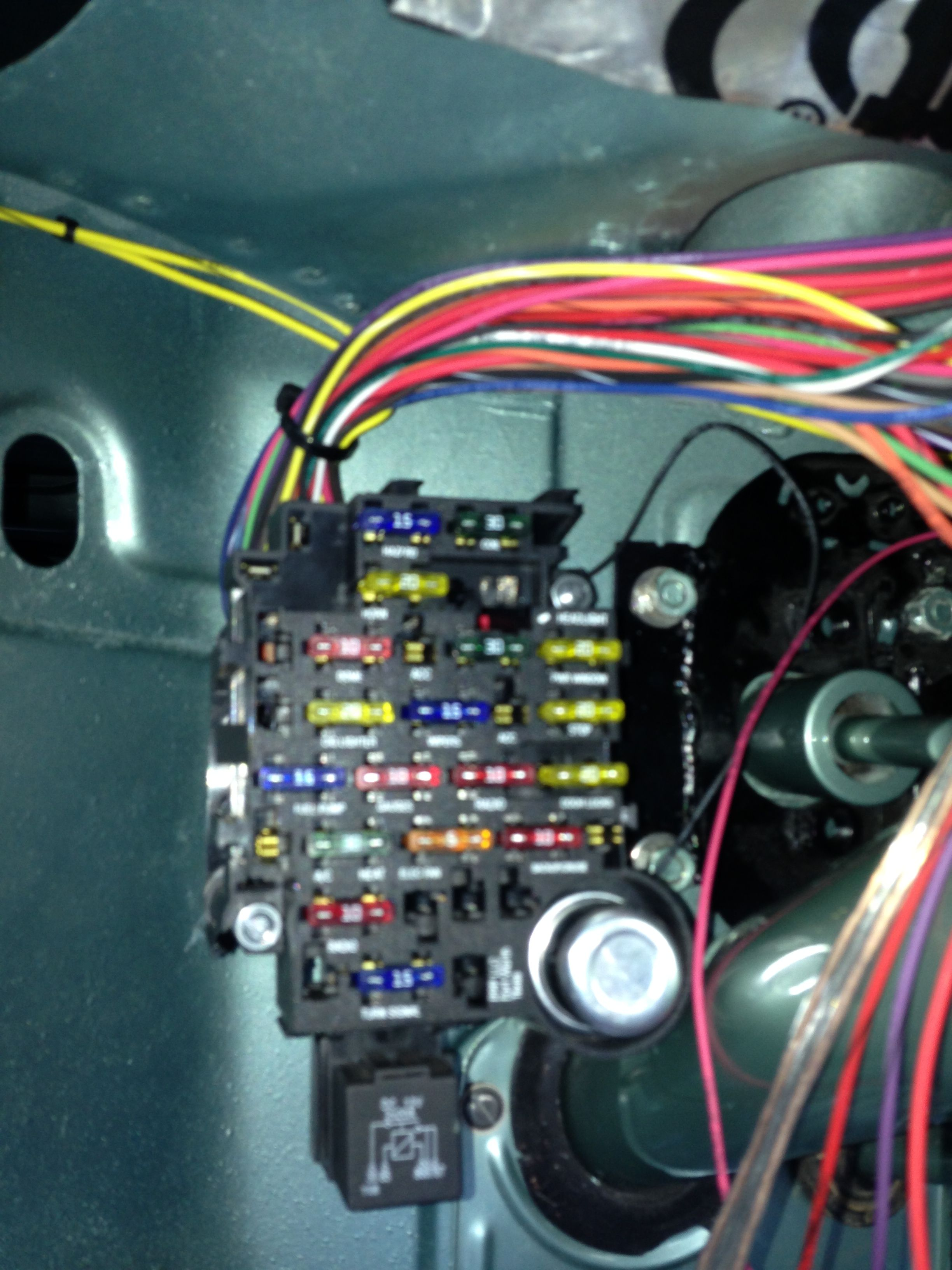 Painless Wiring 18 circuit Street Rod harness. Committed ...