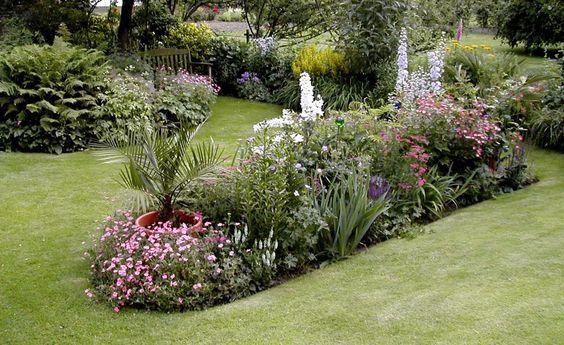 inselbeet anlegen und gestalten garten pinterest bepflanzung das beste und teppiche. Black Bedroom Furniture Sets. Home Design Ideas
