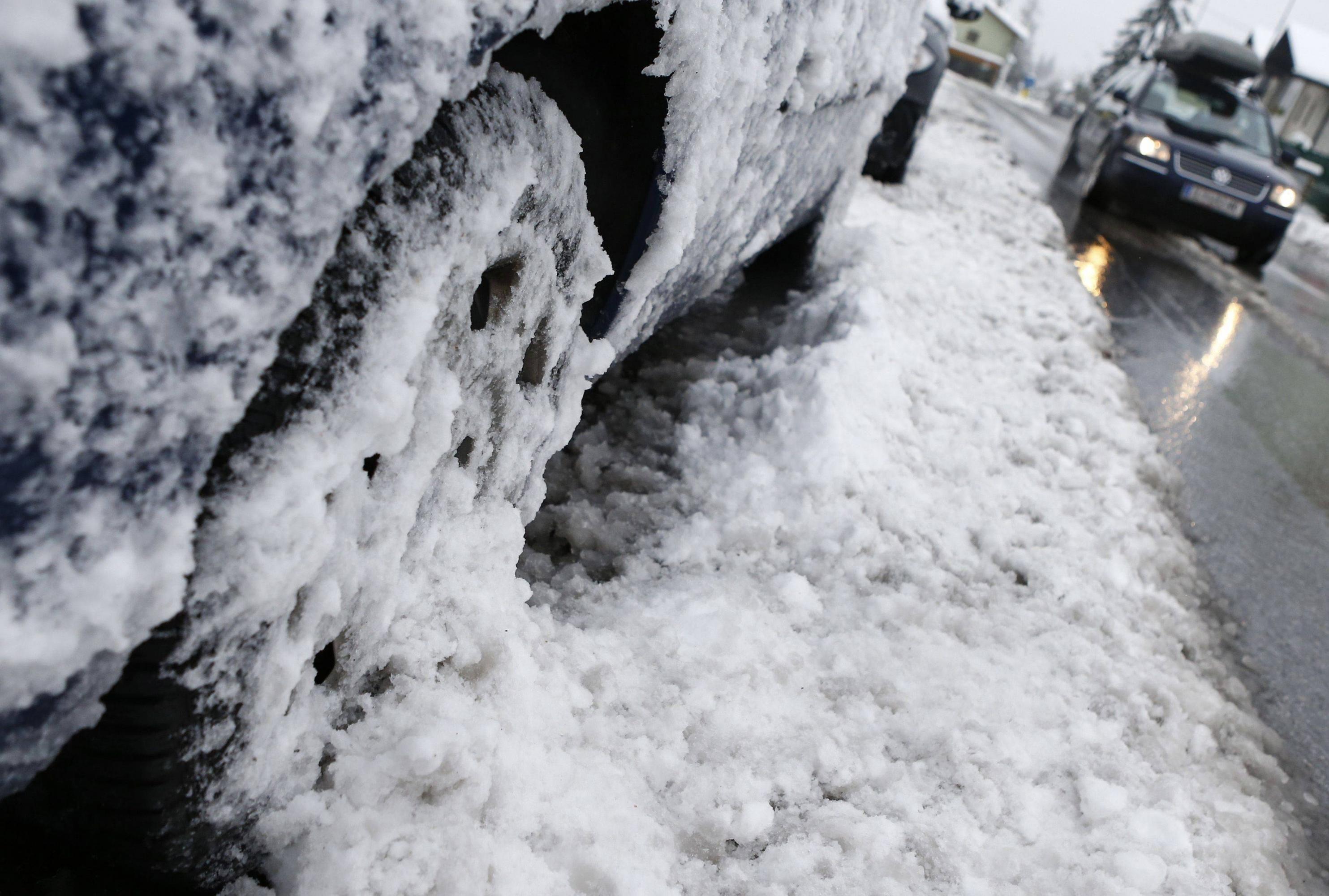 Neigeverglas. SaintEtienne bloqué par la neige