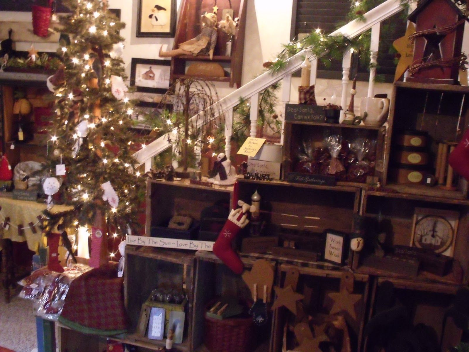 Christmas Craft Booth Ideas Part - 29: Primitive Store Displays | Falling Leaf Woodworkers And Primitives: Holiday  Open House Was A Huge
