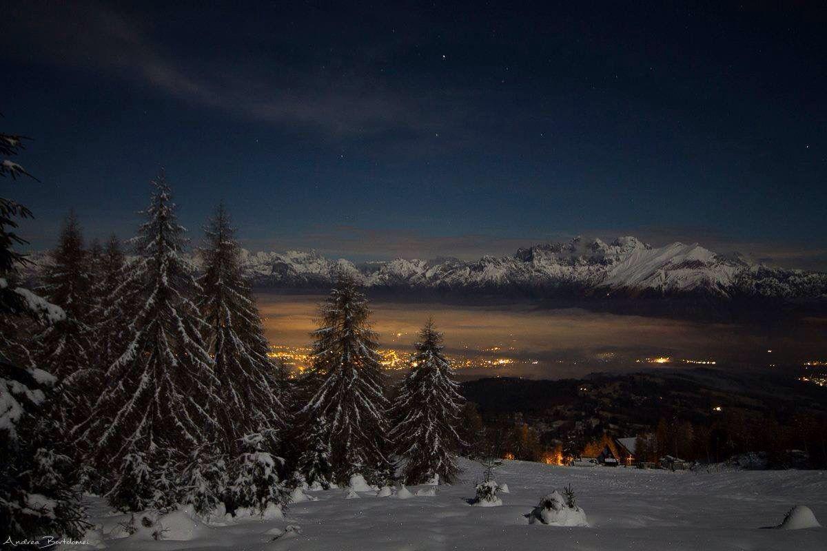 Belluno by night Dolomiti Veneto Italia foto di Andrea Bortolomei da pagina FB di https://www.facebook.com/adorable.belluno/