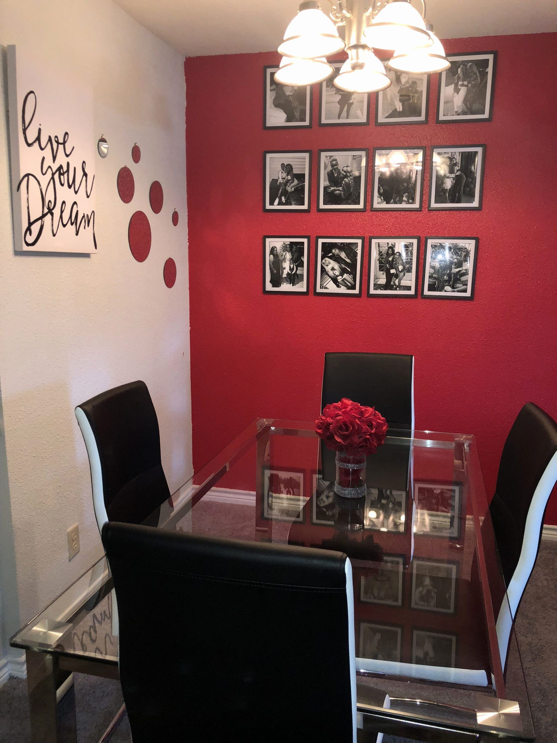 Red And Black Dining Room Awesome Red Black And White Glam Dining Room Decor In 2020 Black Living Room Decor Red Dining Room Black Dining Room #red #black #and #white #living #room #decor
