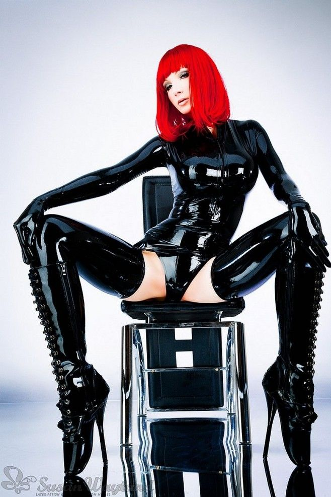 bondage-boot-latex-leather-rubber