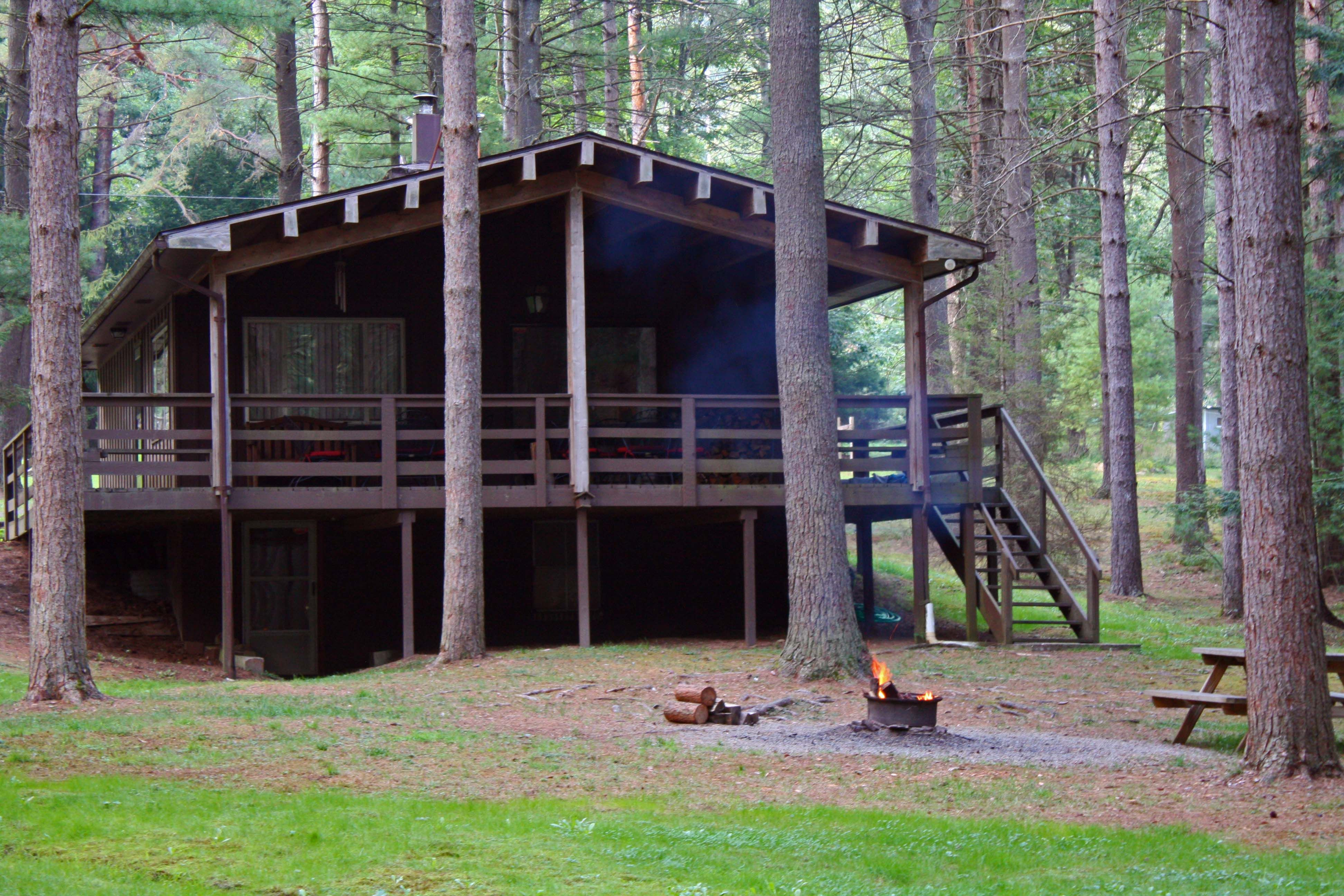 forest riverside cabin of in the cabins for poconos heart rent cook