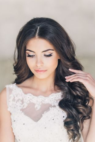Wedding makeup for green eyes and black hair, light ...