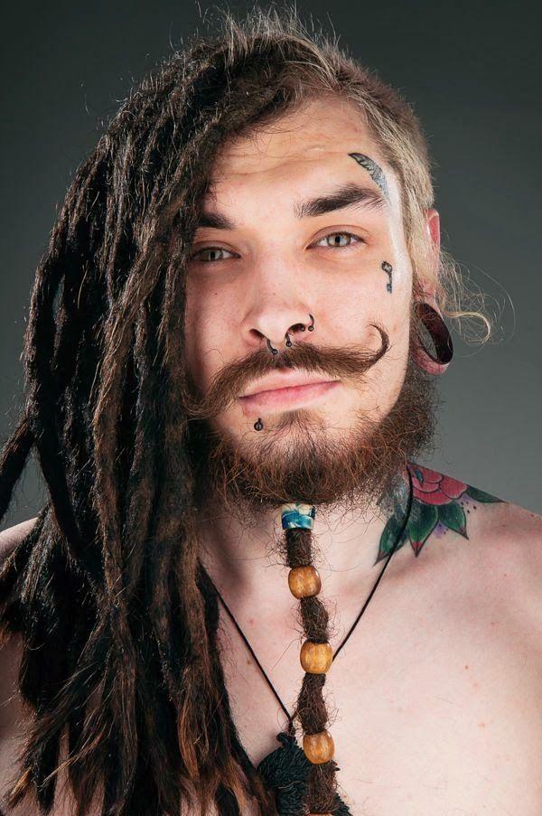 Ensaio Mostra Pessoas Modificadas De Sao Petersburgo Tinta Na Pele Tatuagem Gesicht Frisuren Fur Dreads Wikinger Frisuren