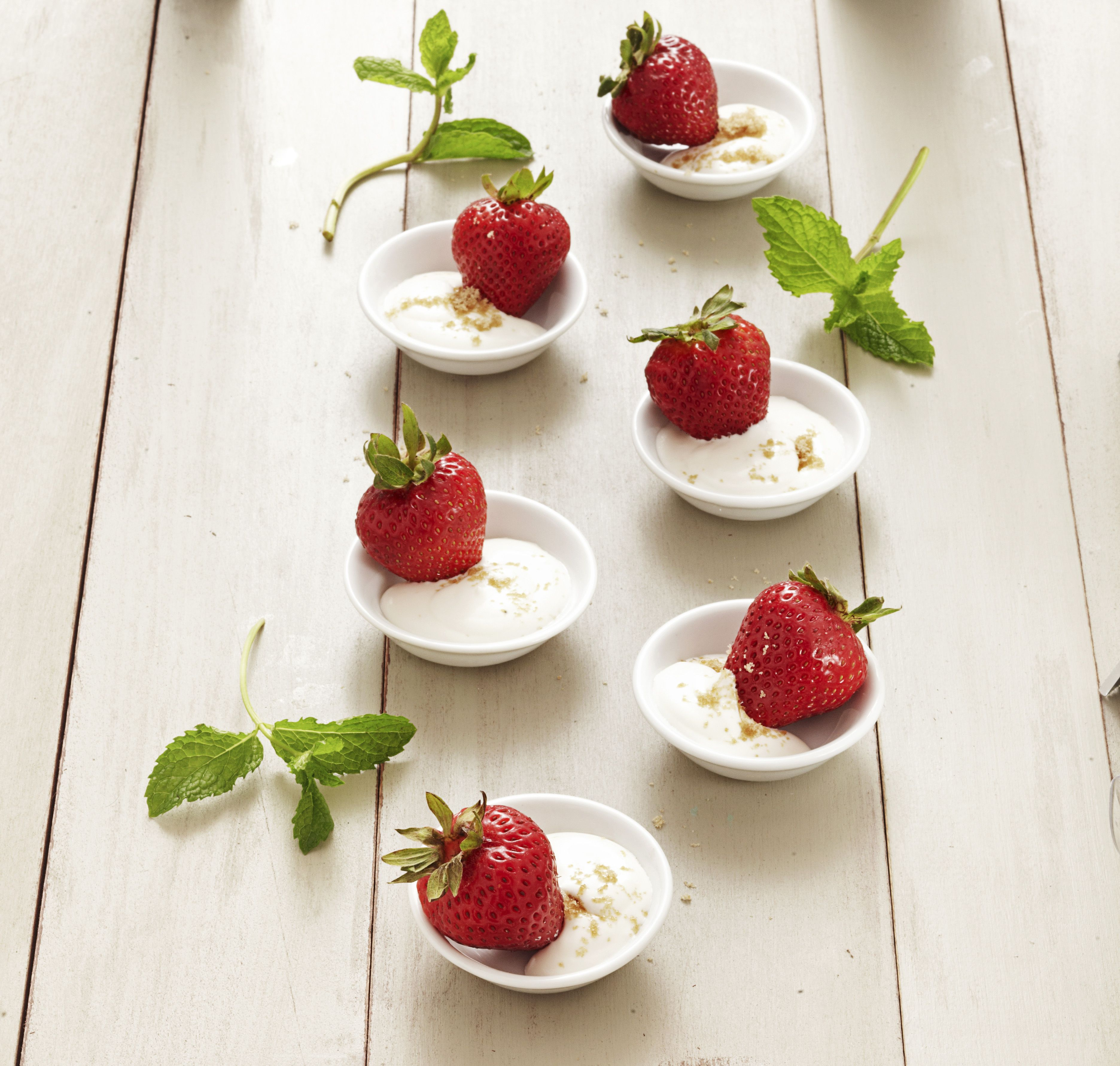 Fresas Frescas Con Crema Dulce Bliss Batida Es Una Receta