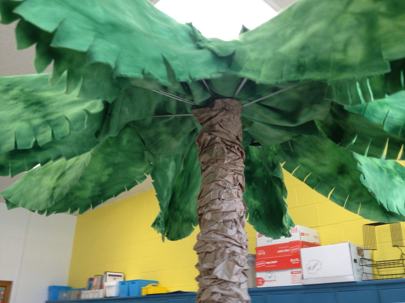 how to make fabric jungle trees for the classroom Thats it