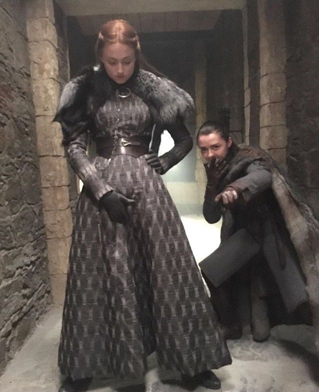 Game of Thrones: Sophie Turner and Maisie Williams (photo ...
