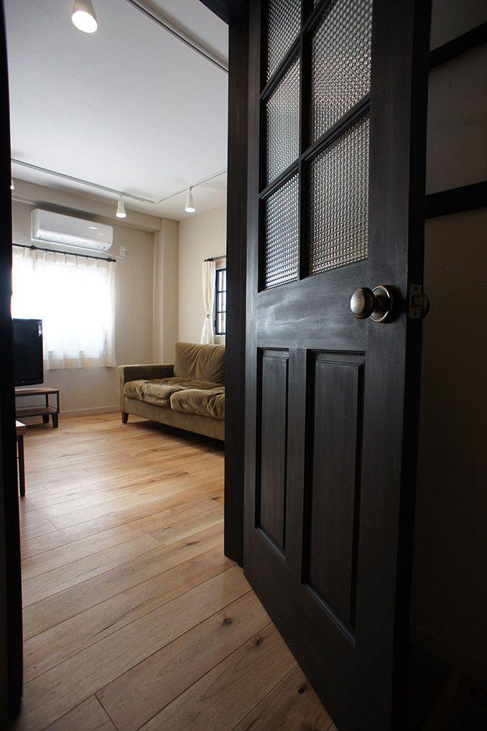 木製パネルドア 黒いドア リクシル 室内 ドア ホームウェア