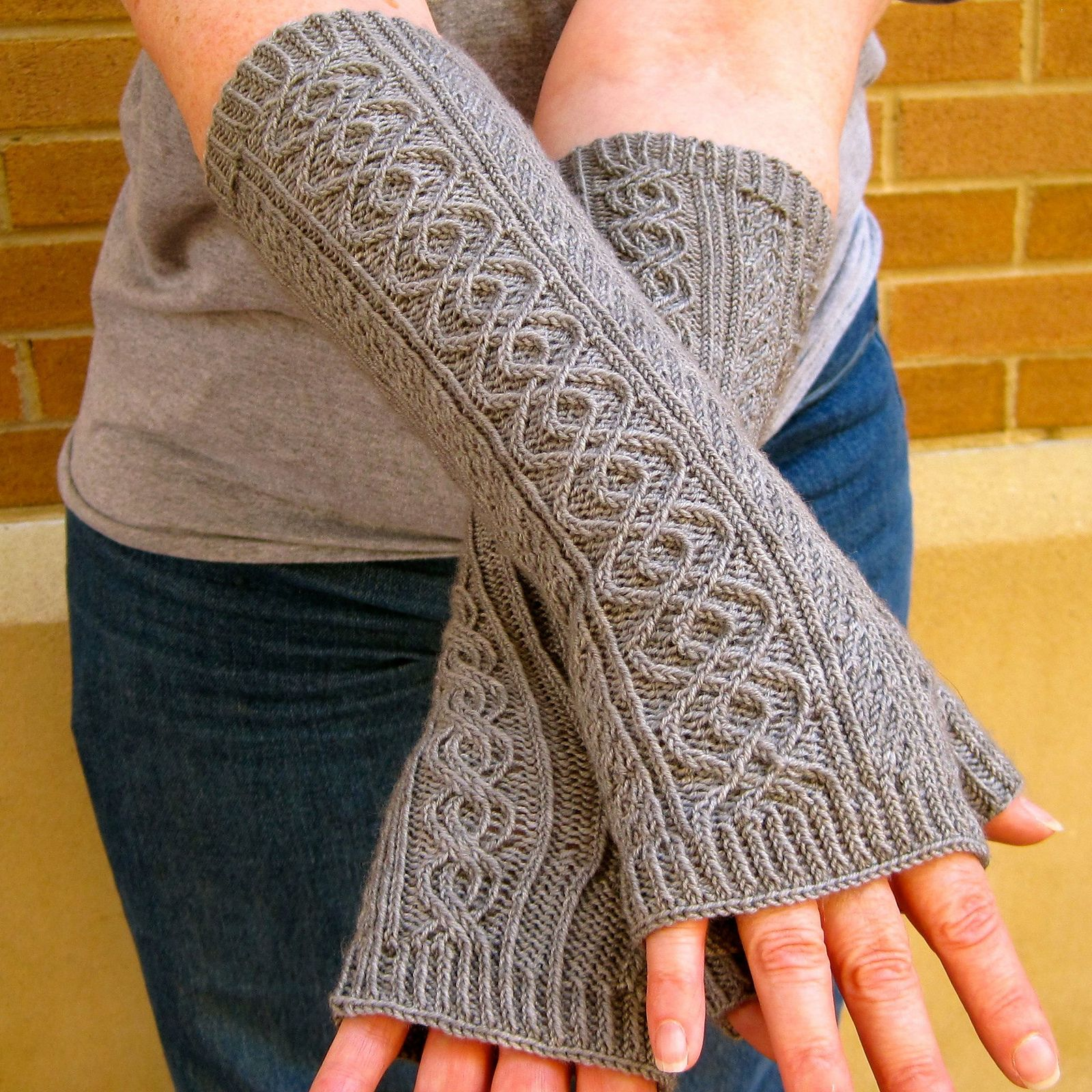 Totally Cabled Long Fingerless Mitts pattern by Linda Lehman ...