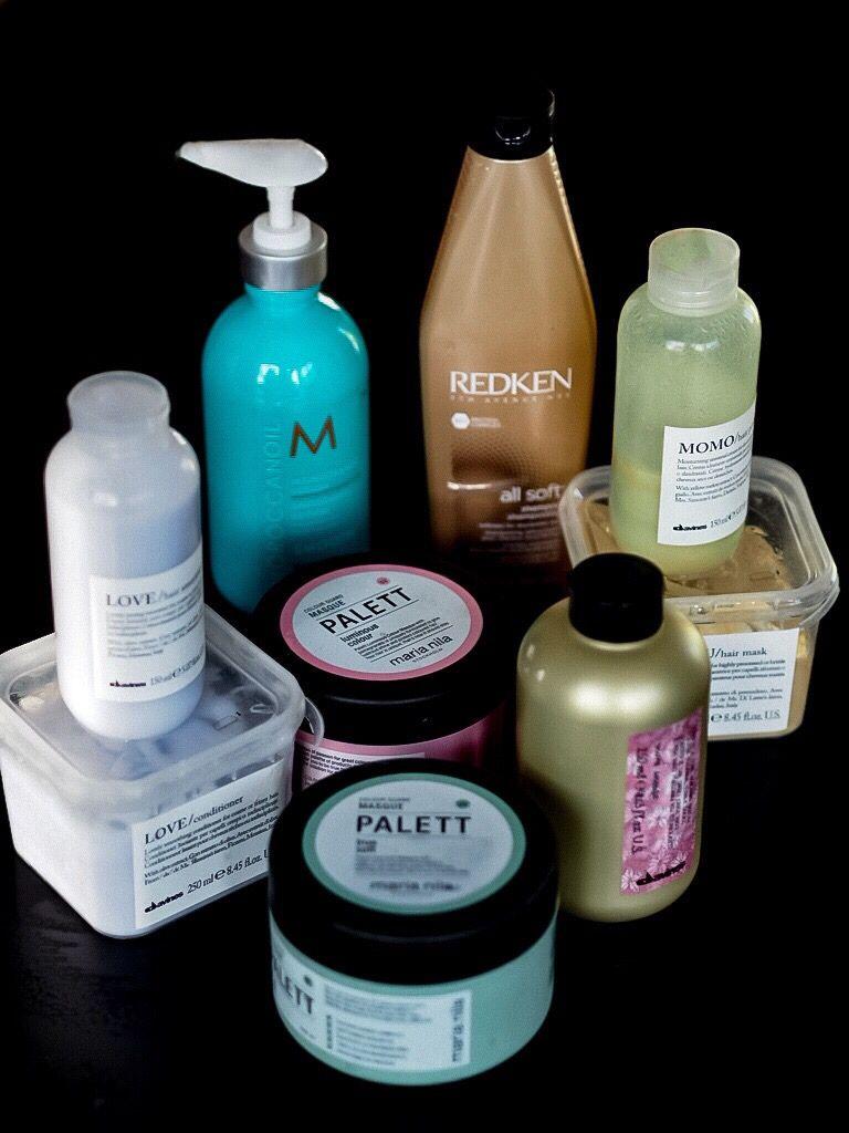 shampoo och balsam i ett