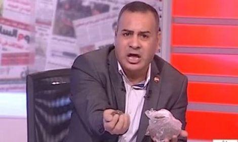 شاهد بالفيديو بما نعى الاعلامى جابر القرموطى الشاعر الكبير الراحل الخال عبد الرحمن الابنودى بالطين على