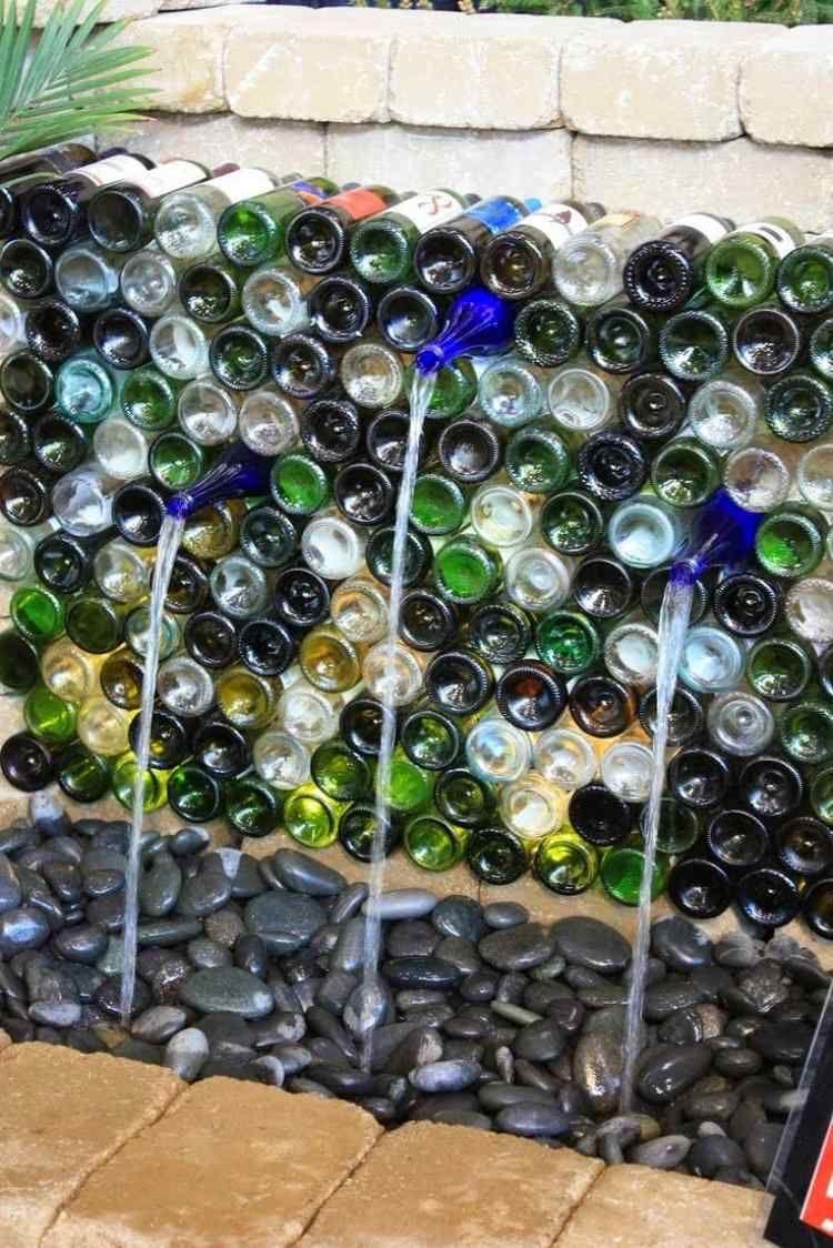 Brunnen Im Garten Aus Alten Glasflaschen | Garten | Pinterest ... Gartendeko Aus Alten Sachen Ideen