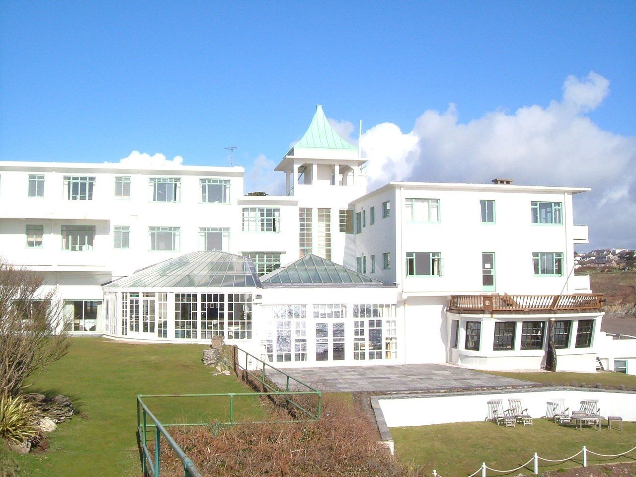 Burgh island hotel bigbury on sea united kingdom 25 for Art deco hotel devon