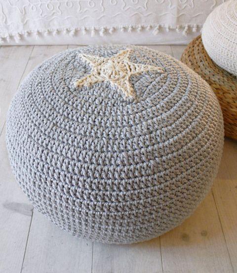 DIY – Sticka eller virka en trendig sittpuff | BautaWitch | Virka ...