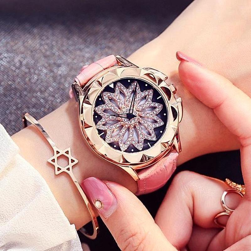 Women's quartz 360 degree rotating dial Wristwatch in 2020