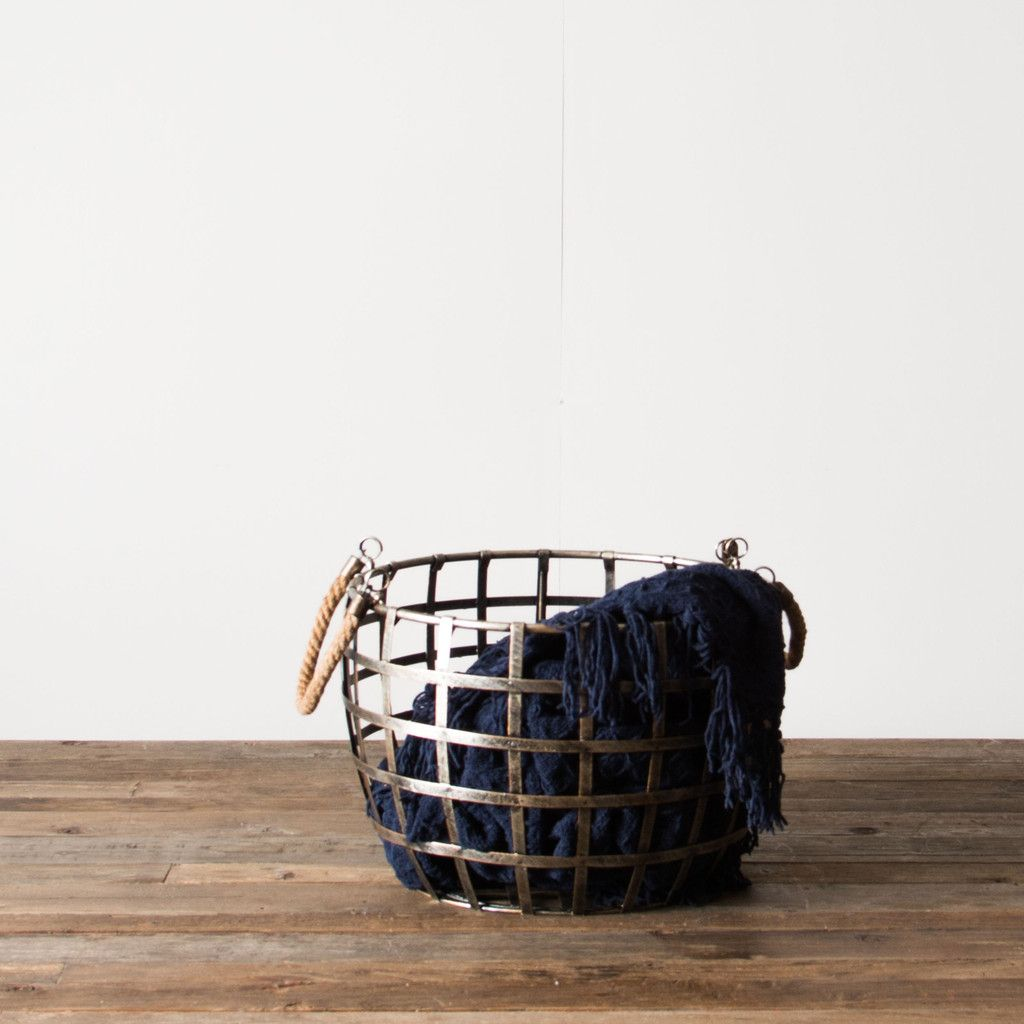 Metal Wire Basket | Metal wire, Woodland living room, Wire ...