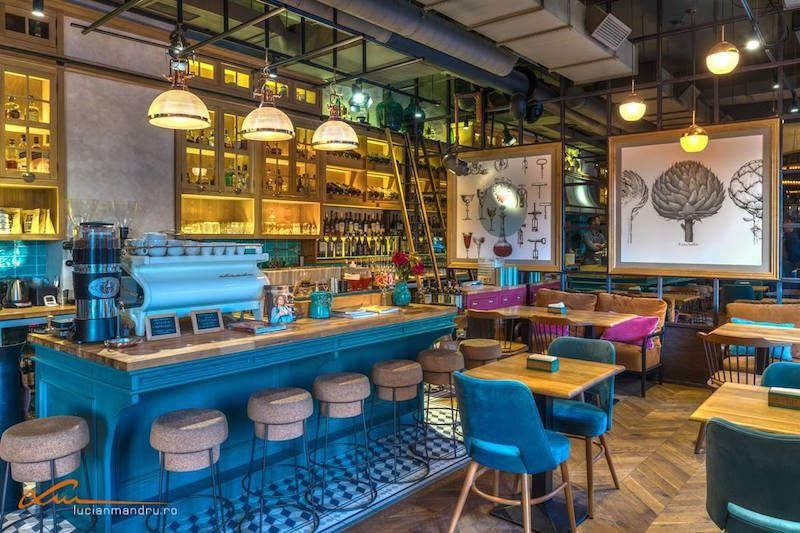 Coffee place by day restaurant by night at bujole in for Interieur cluj