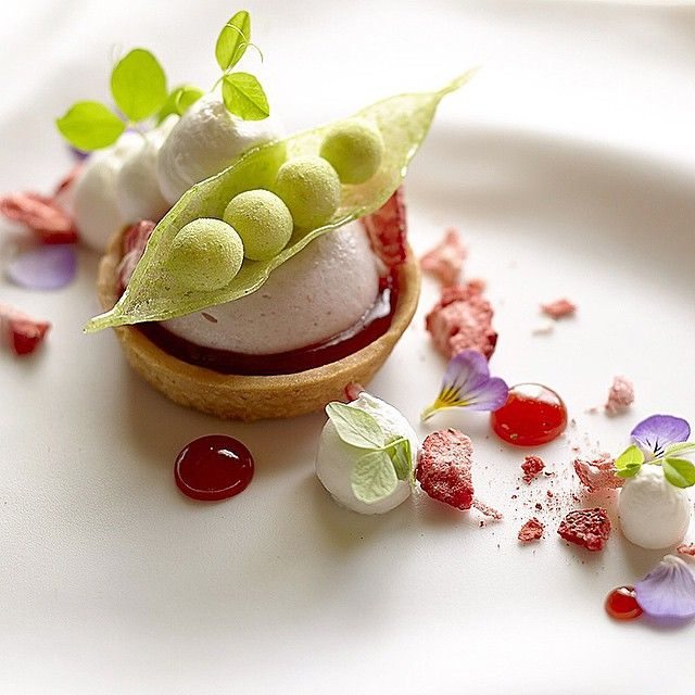 Strawberry mousse tart , pulled sugar peas,white chocolate ganache rolled & pea dust and cream...#plating #presentation