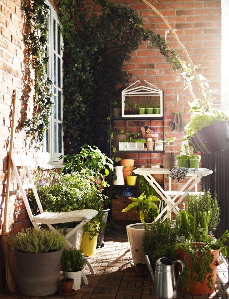 30 inspiring small balcony garden ideas amazing diy. Black Bedroom Furniture Sets. Home Design Ideas