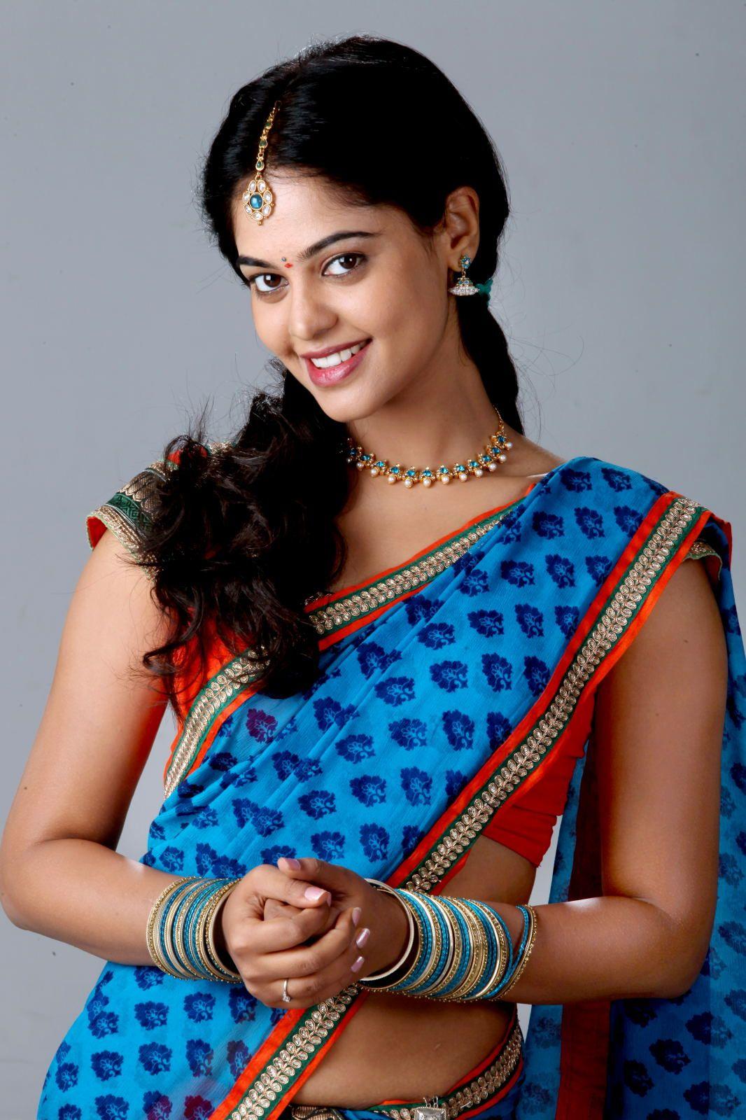 South Tamil Telugu Movie Actress Bindhu Madhavi Movie Photoshoot 11