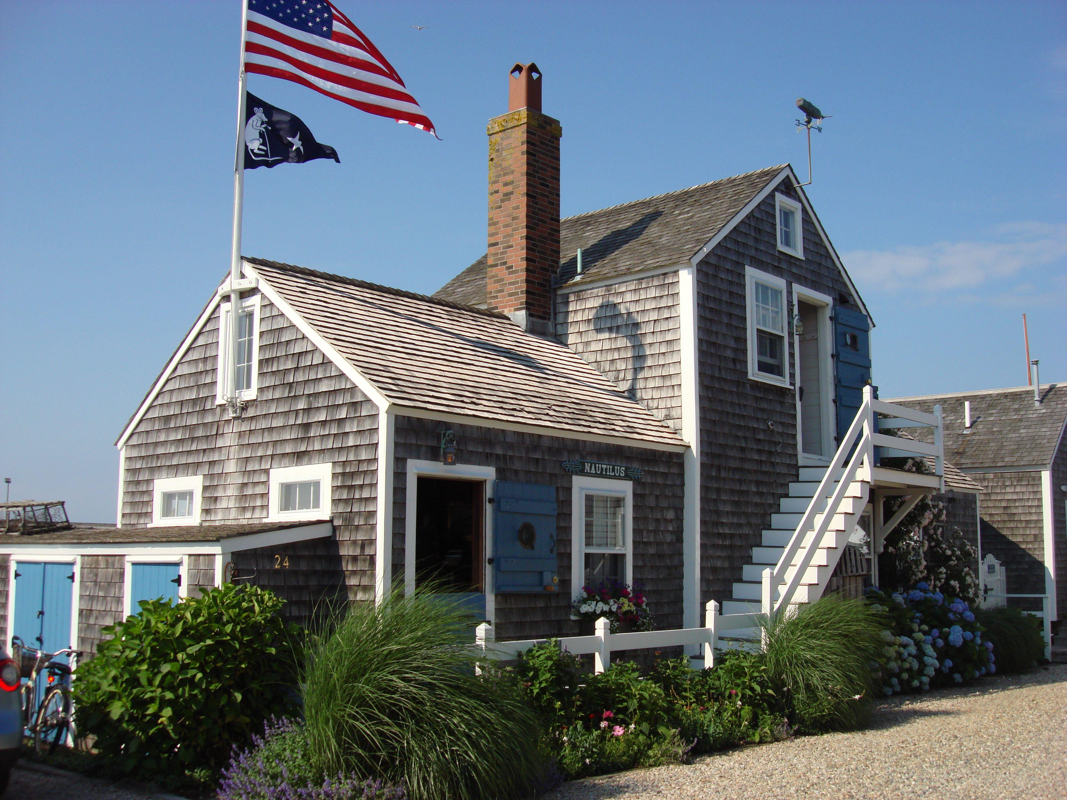 Pin By Hunterreed Luxury Real Estate On Nantucket Nantucket Island Nantucket Coastal Living