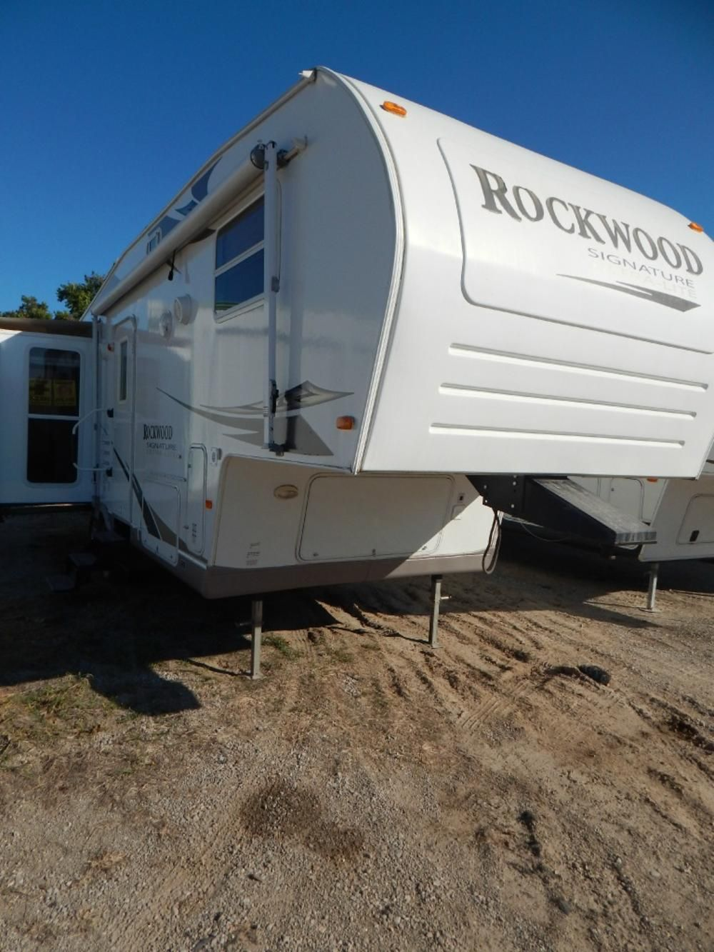 Used 2008 Forest River Rockwood Fifth Wheel Trailer For