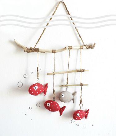 """(( (-.-) 0_(""""("""")   Le Monde des Bibbous vous propose une originale  décoration pour chambre d'enfant à suspendre ... Thème marin , poissons suspendus sur ficelle brut à - 13989611"""