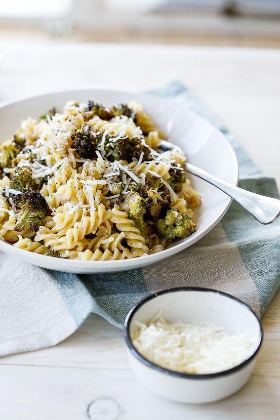 Creamy lemon broccoli pasta Creamy lemon broccoli pasta is a great vegetarian weeknight dinner.