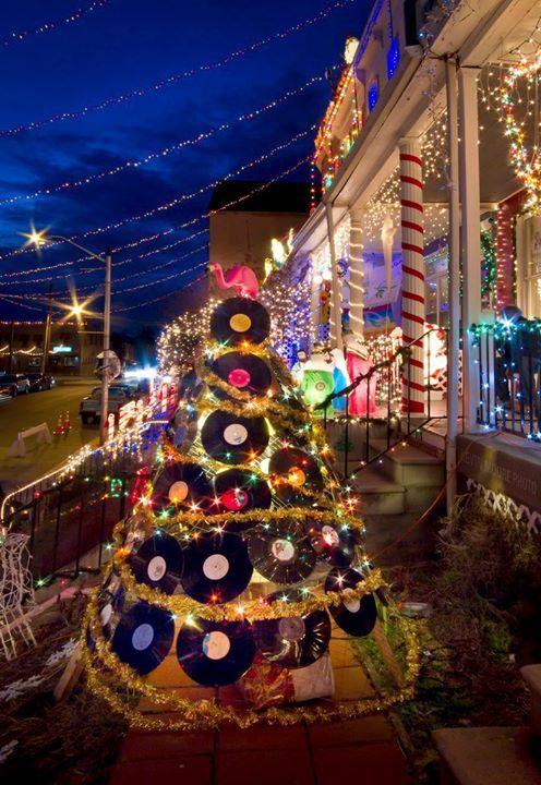 Christmas tree #vinyl #records   wwwpinterest/djspyder - christmas decor pinterest