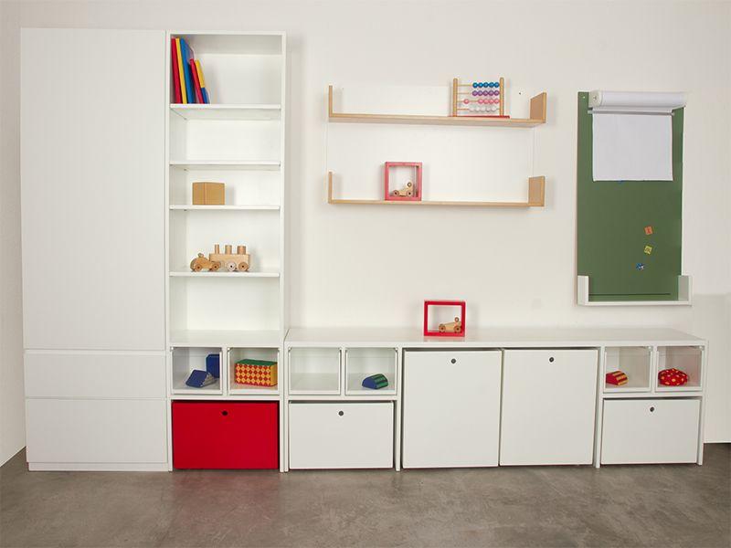 Completa combinación de muebles modulares, repisas y pizarras de ...
